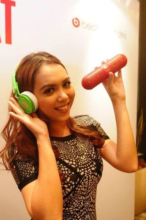 Siti-Saleha-Seksi-Hot-Artis-Lesbian