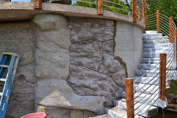 Carved Vertical Concrete Retaining Wall