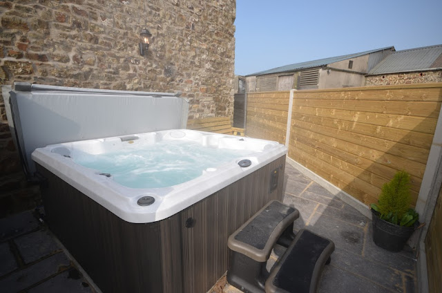 Devon Hot Tub Cottage Self Catering Barn Conversion Hot Tub