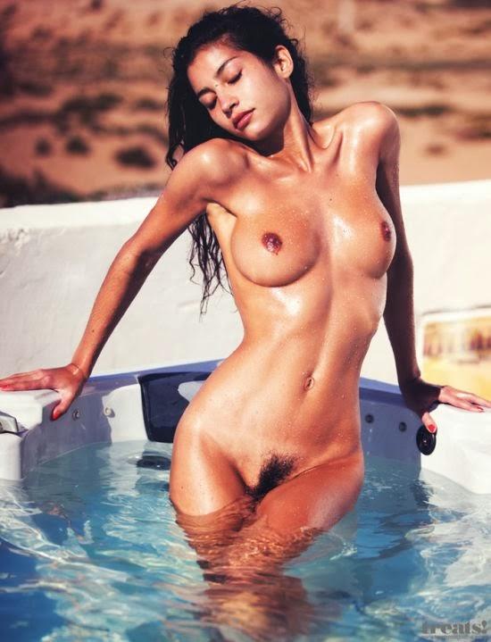modelo sensual Emilie nua fotografia David Bellemere Treats magazine