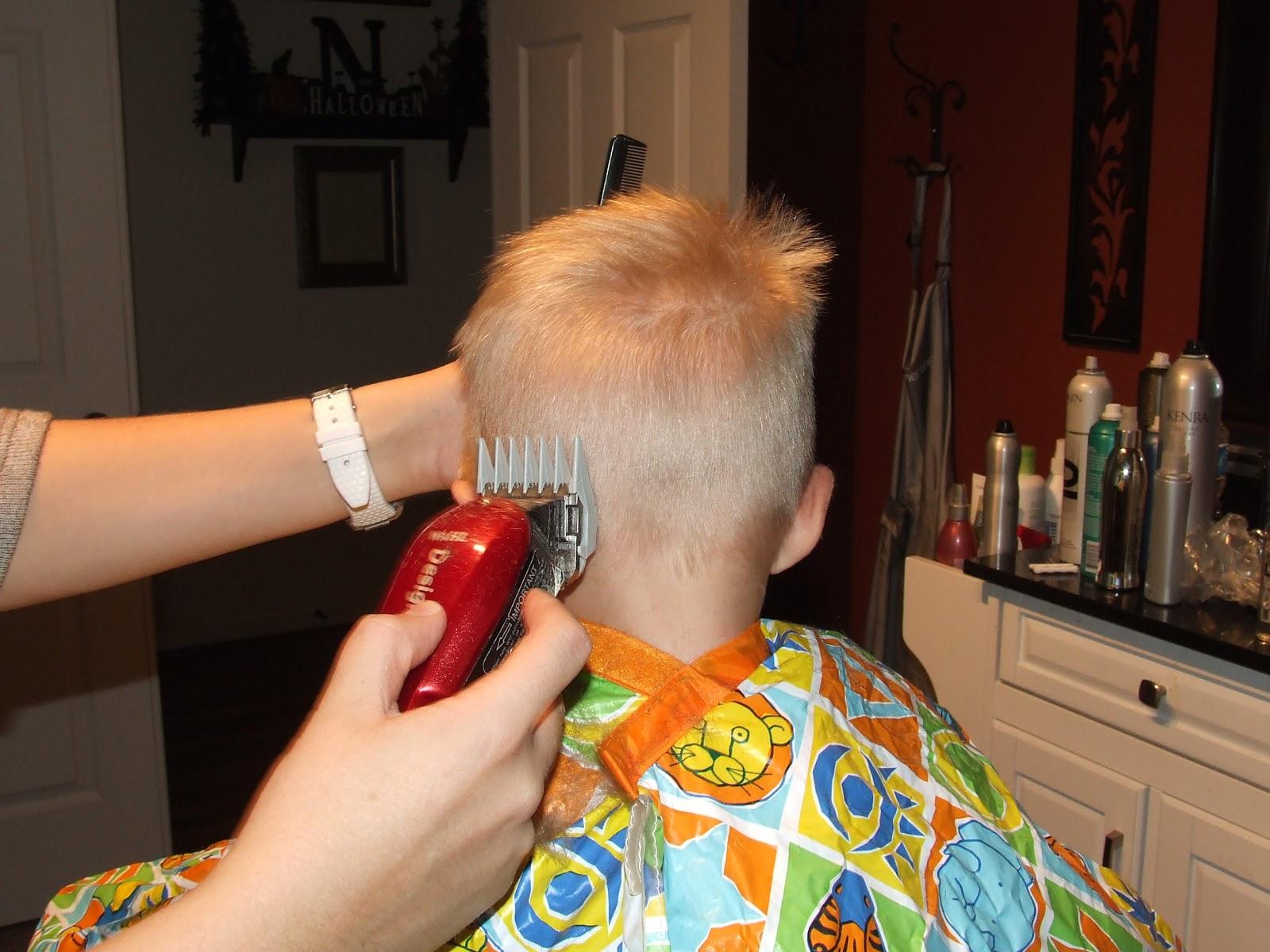Как подстричь ребенка машинкой дома 95