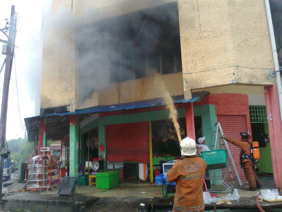 GAMBAR) Rumah Hangus Terbakar, Tapi Al-Quran Langsung Tak Dijilat Api
