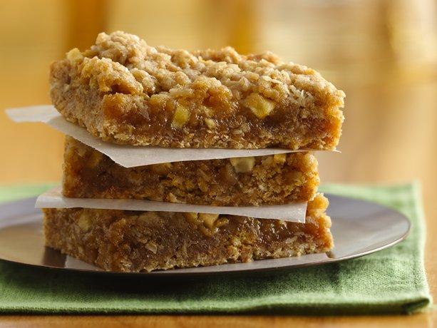 Debi Cooks.....: Easy Caramel Apple Bars