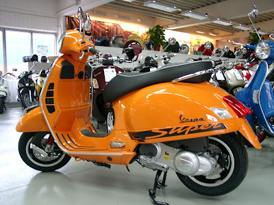 Rwn roller world news blog die neue vespa gts 300 supersport for Puntura vespa cane