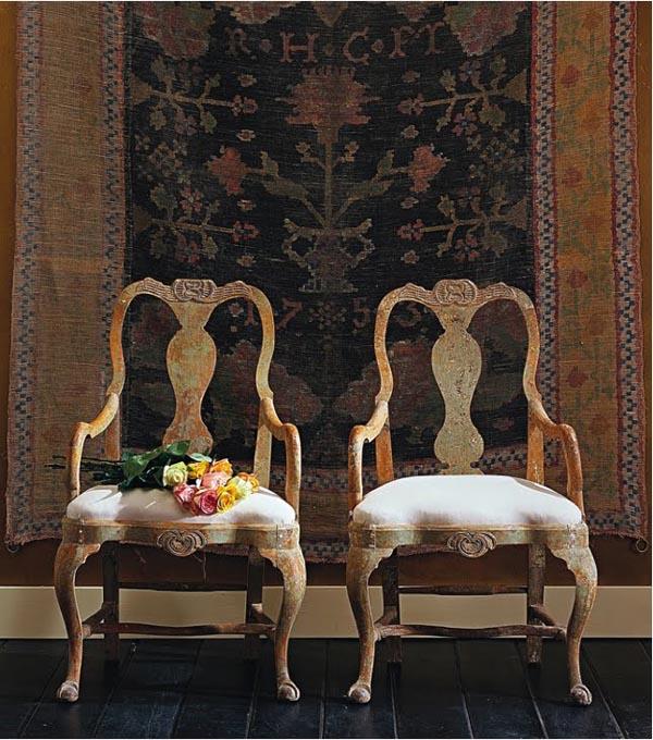 pareja de sillas  antiguas con brazos estilo gustaviano
