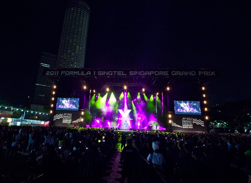 BigBang Eikones - Page 3 Singapore-Formula1-Grand-Prix-GDRAGON-TOP-SEUNGRI-BIGBANG-KPOP+%252820%2529