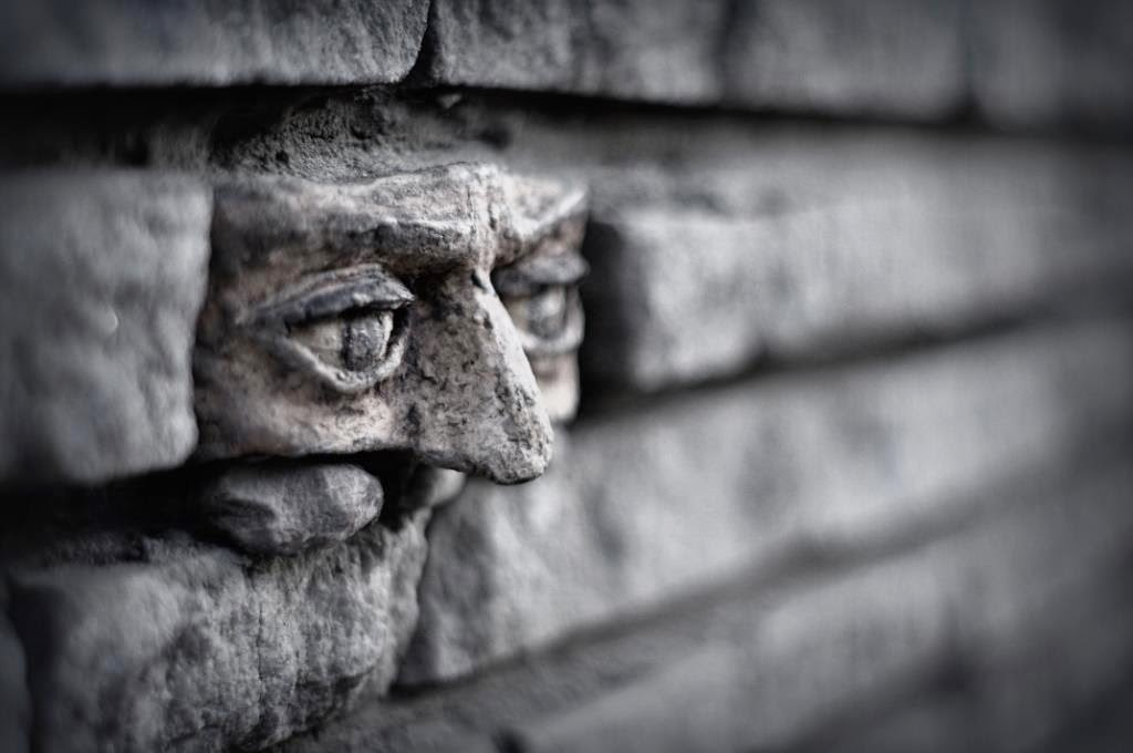 [Изображение: street-art-Another-brick-in-the-wall-In-...oland.jpeg]