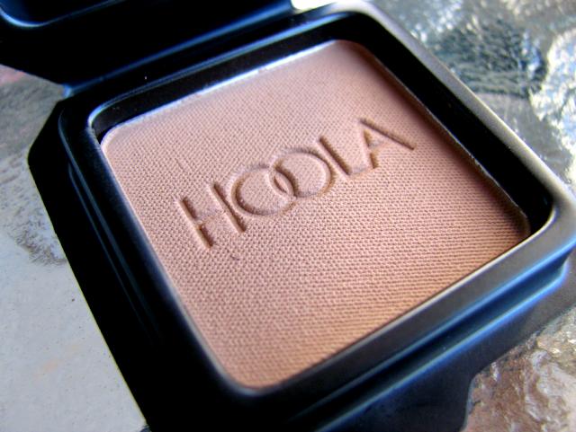 benefit-cosmetics-hoola-bronzer