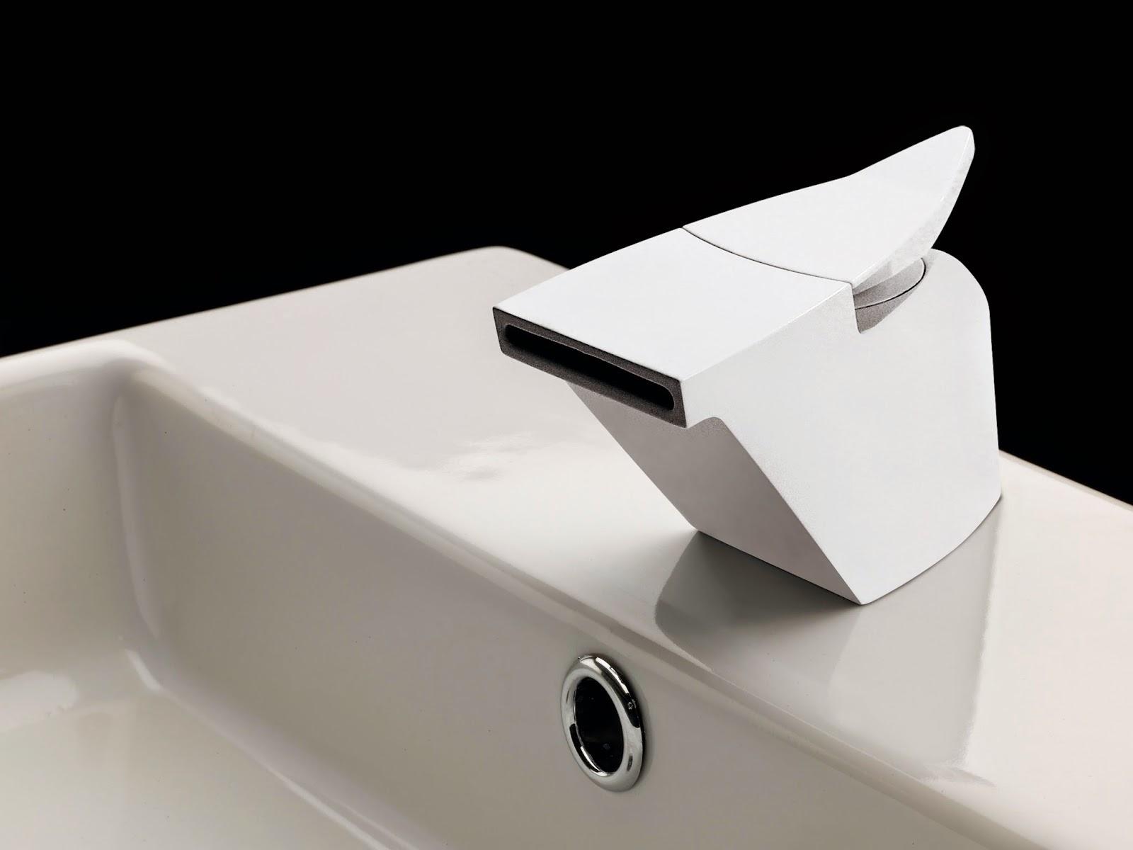 Griferia Vidrio Cascada Para Baño Diseno Elegancia:Decoración Fácil: Un baño de estética moderna y vanguardista o