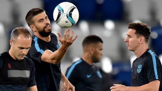 Iniesta espera que Barcelona siga com fome de títulos em 2015/16 após 'Triplete' na última temporada