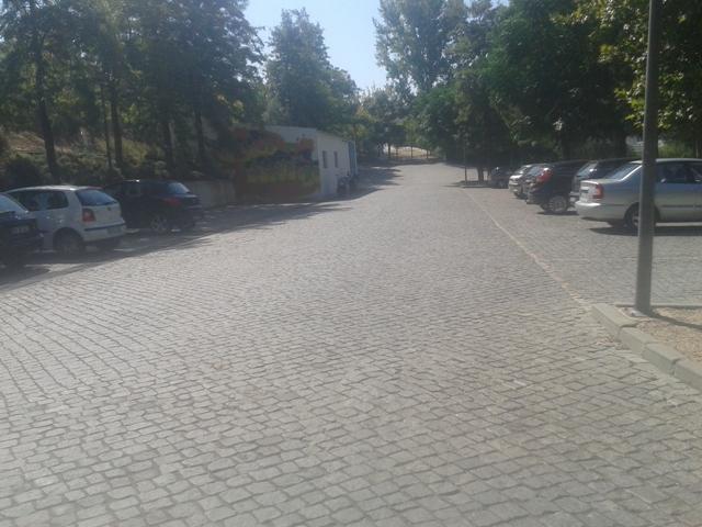 parque de estacionamento da Praia Fluvial de Avis