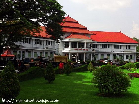 """""""Balai Kota Malang"""""""