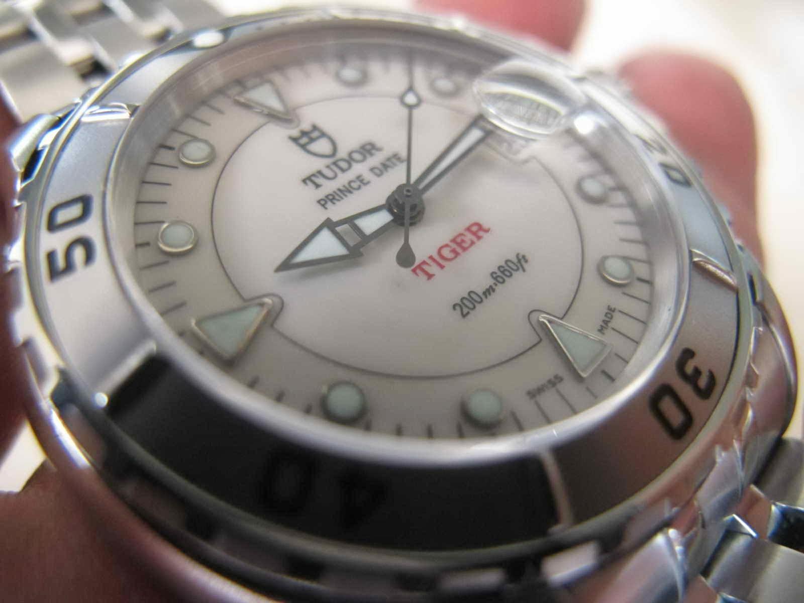 Cocok untuk Anda yang sedang mencari jam tangan dengan brand ternama berpenampilan Sporty dengan harga yang reliable