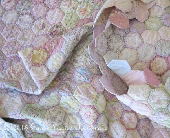 Sarah Lizzies: Oh no......not another hexagon quilt!! : how to quilt a hexagon quilt - Adamdwight.com