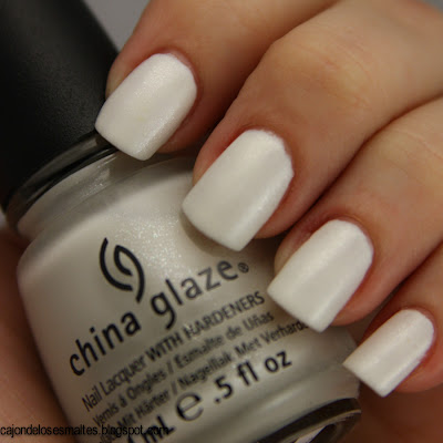 Dandy lyin around de China Glaze