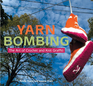 Book cover: Yarn Bombing by Mandy Moore and Leanne Prain
