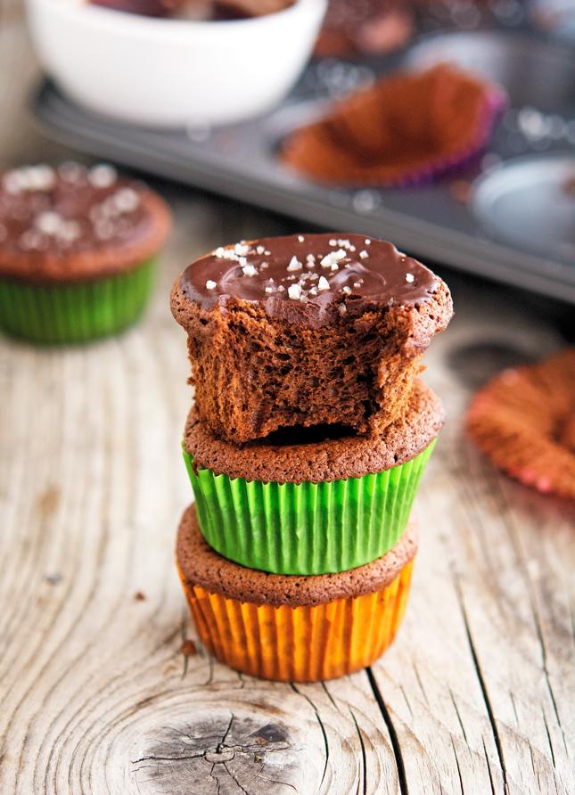 recipe: flourless cupcakes [37]