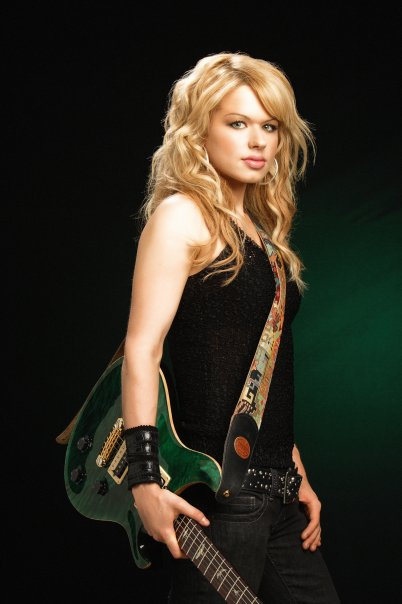 Celebrity Photo Bazer: Orianthi - 34.6KB