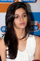 Student of the year movie actress alia Bhatt
