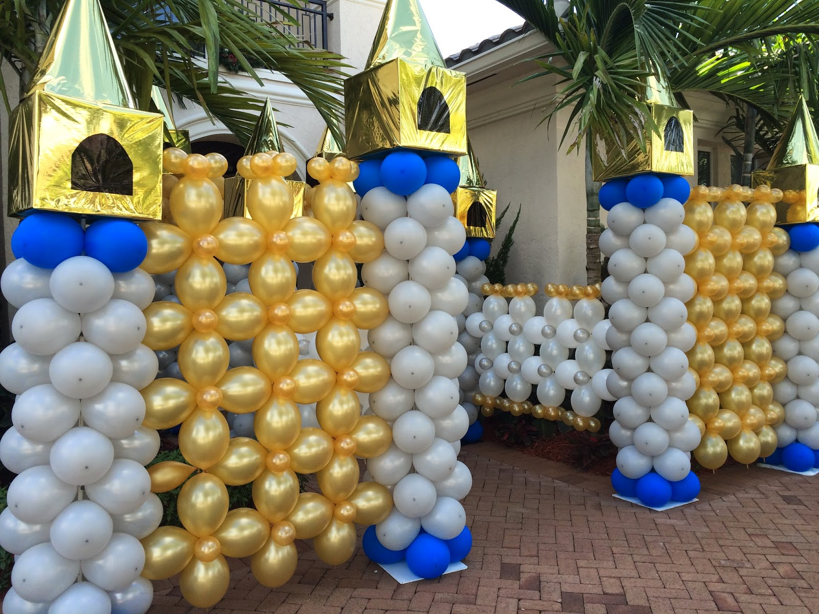 Dreamark events blog first birthday party decorations for Balloon decoration images party