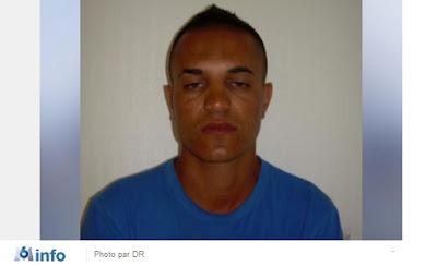 INFO M6 - Commissariat attaqué à Barbès : l'homme s'appellerait-il Tarek Belkacem ? (vidéo) dans France attentat%2Bcommissariat%2B18%25C3%25A8me%2B07%2Bjanvier%2B2015