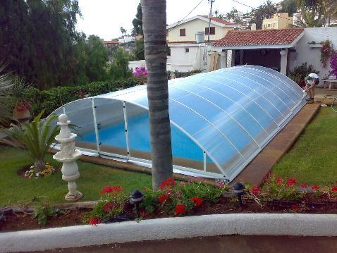 Decoraciones y afinidades modelos de piscinas modernas 2012 for Materiales para construccion de piscinas