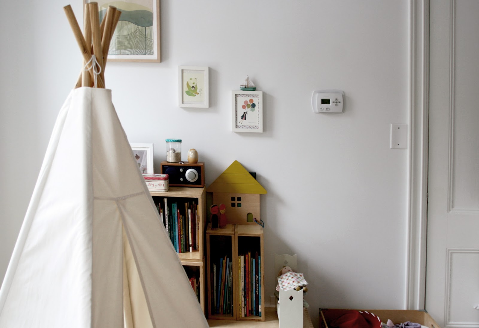 Amazing shopping guide perch loft bed and classic crib by oeuf teepee by great plains rug and rocker abc carpet and home play kitchen by momoll storage boxes