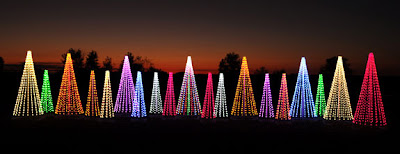 outdoor Christmas decorating, outdoor holiday decorating, Christmas decorating, holiday decorating