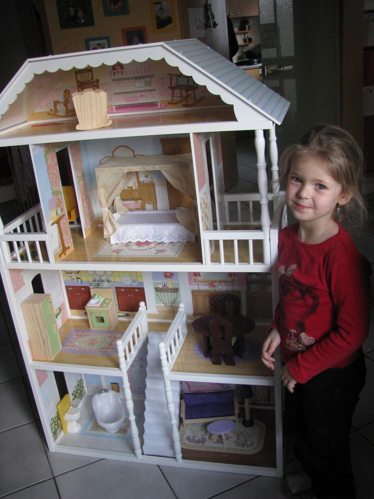 bettinas bunte welt annika und ihr barbie haus. Black Bedroom Furniture Sets. Home Design Ideas