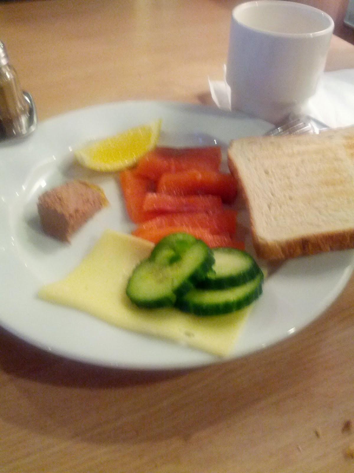 Питание на пароме в Таллин