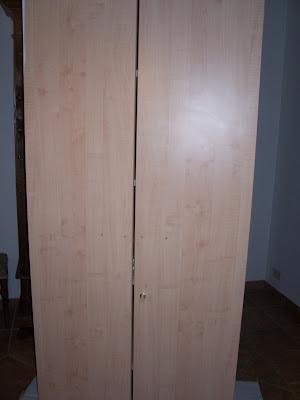 Free era un armadio moderno da ufficio with come dipingere un mobile - Dove comprare mobili economici ...