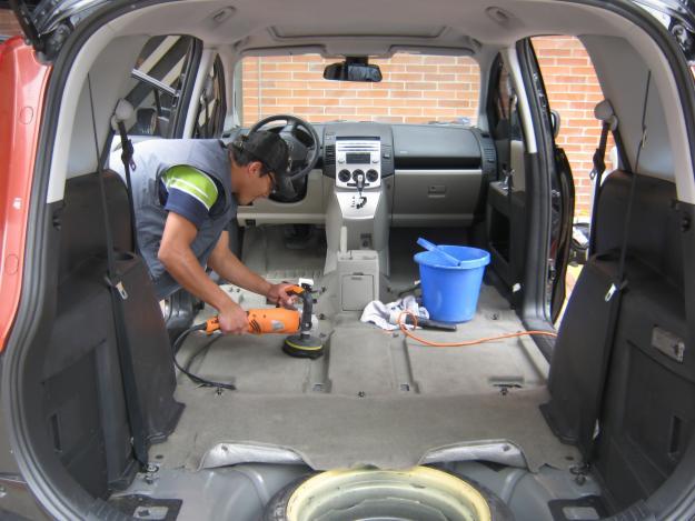 Limpieza de tapicer a de autos cont ctenos - Tapiceros de coches en murcia ...