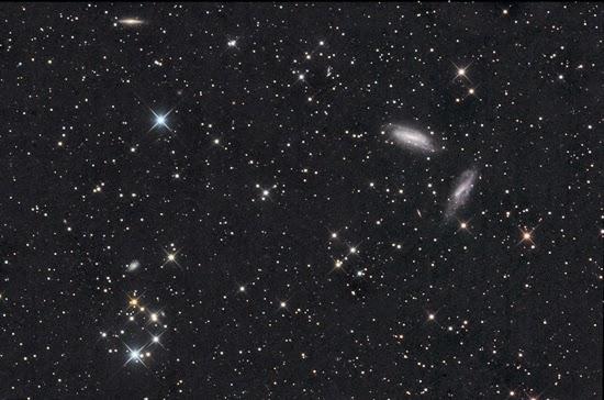 Dua Galaksi dalam Sebuah Foto yang Menakjubkan