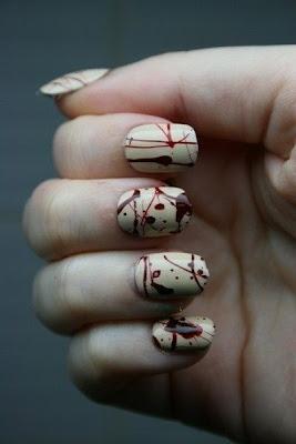 A nova tendência para esse mercado são as unhas decoradas com canudinhos