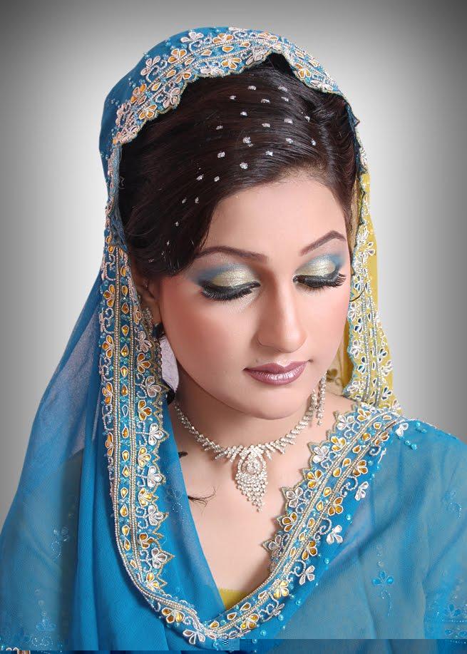Model Beautiful Latest Simple Arabic Pakistani Indian Bridal Girl Mehndi