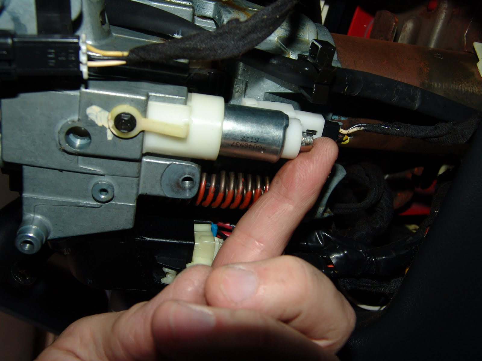 2001 pontiac bonneville 3800 with Pontiac Grand Prix  Puter Location on ShowAssembly furthermore Pontiac Starter Solenoid Wiring Diagram together with 3800 V6 Engine Diagram furthermore T5892849 Serpentine belt routing diagram 2006 further Pulley Change Index 285990.