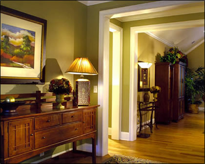 Bungalow love decorating your foyer for Decorating your foyer