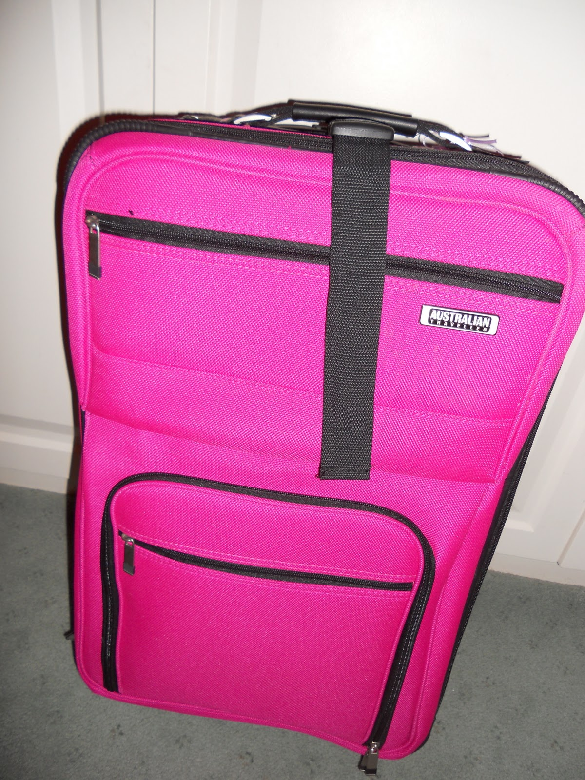 Planes Trains and Two Children.....: The Hot Pink Suitcase