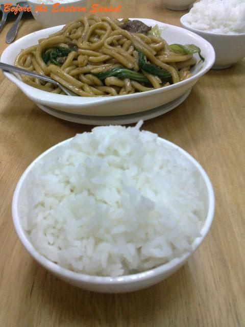 Binondo Chinatown - lomi and rice
