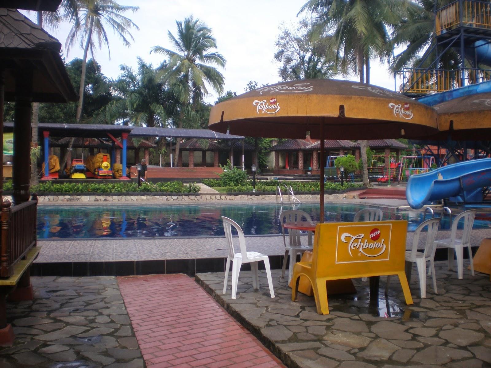 http://hendrasuhendra176.blogspot.com/2014/05/berenang-di-kolam-renang-situ-gintung.html