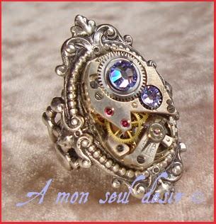 Bague Steampunk mécanisme mouvement de montre mécanique strass Swarovski rhinestones clockwork watchwork ring jewel Light Quantum