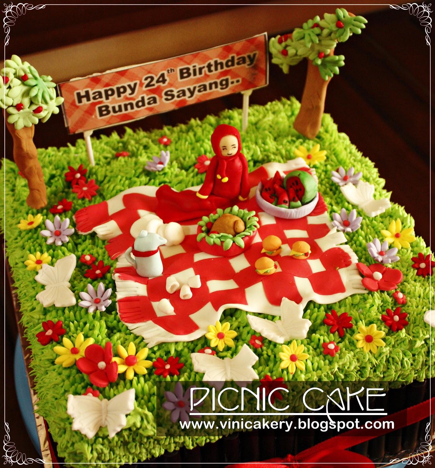 Piknik Dengan Bekalan Bentou Potluck Yang Kami Bawa Dari Rumah Picture