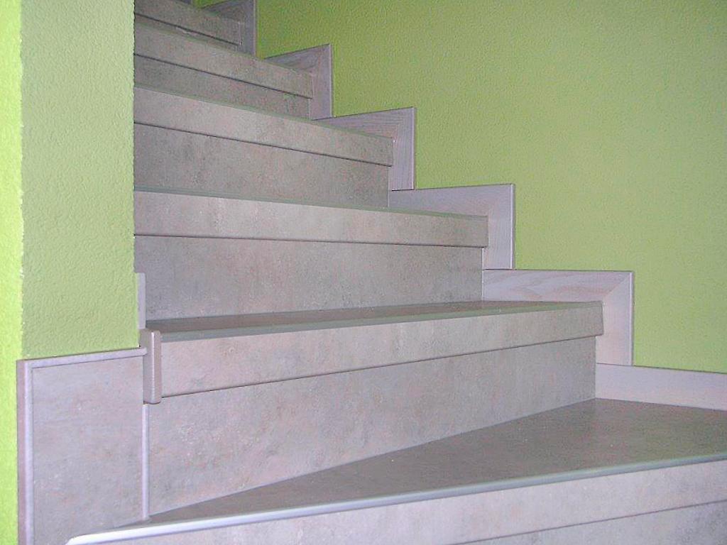 betontreppe verkleiden aus granit auf vorhandene betontreppe with betontreppe verkleiden. Black Bedroom Furniture Sets. Home Design Ideas