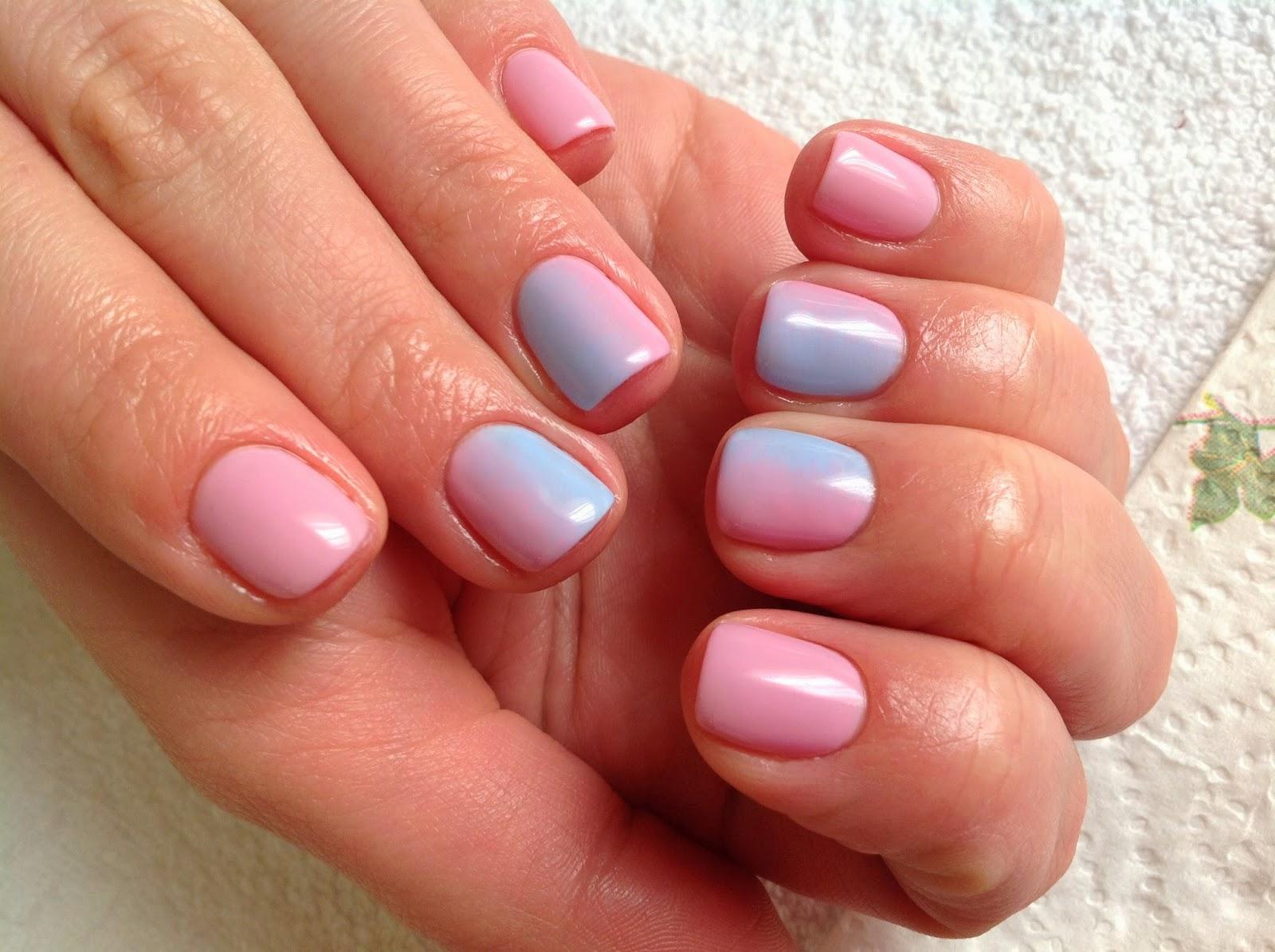 Как накрасить ногти двумя цветами 12
