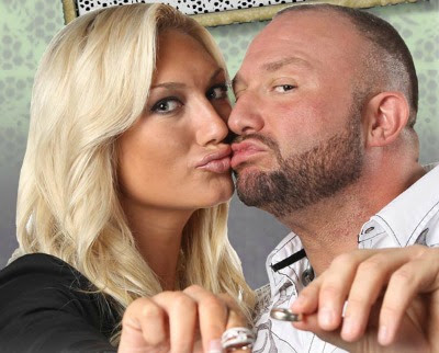 Brooke Hogan and Bully Ray are getting hitched tonight on Impact . Or
