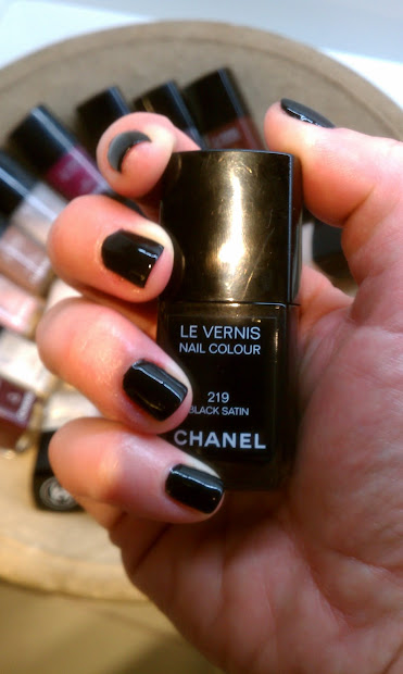 lipgloss break chanel black satin