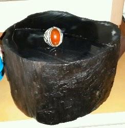 perawatan bongkahan batu black opal
