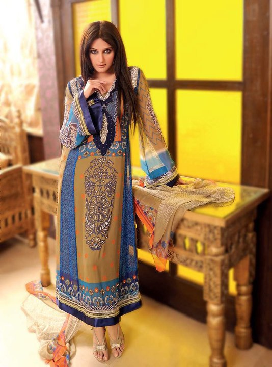 New Frock Designs in Pakistan http://shoaibnzm.blogspot.com/2011/09/pakistan-frocks-new-design-latest.html