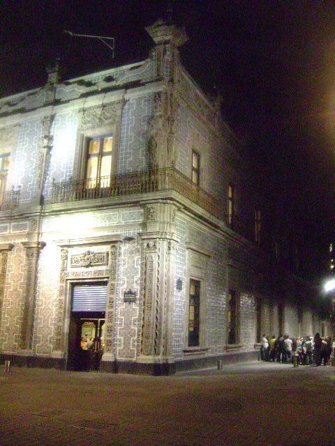 Arquitectura monterrey casa de los azulejos ciudad de m xico for Edificio de los azulejos