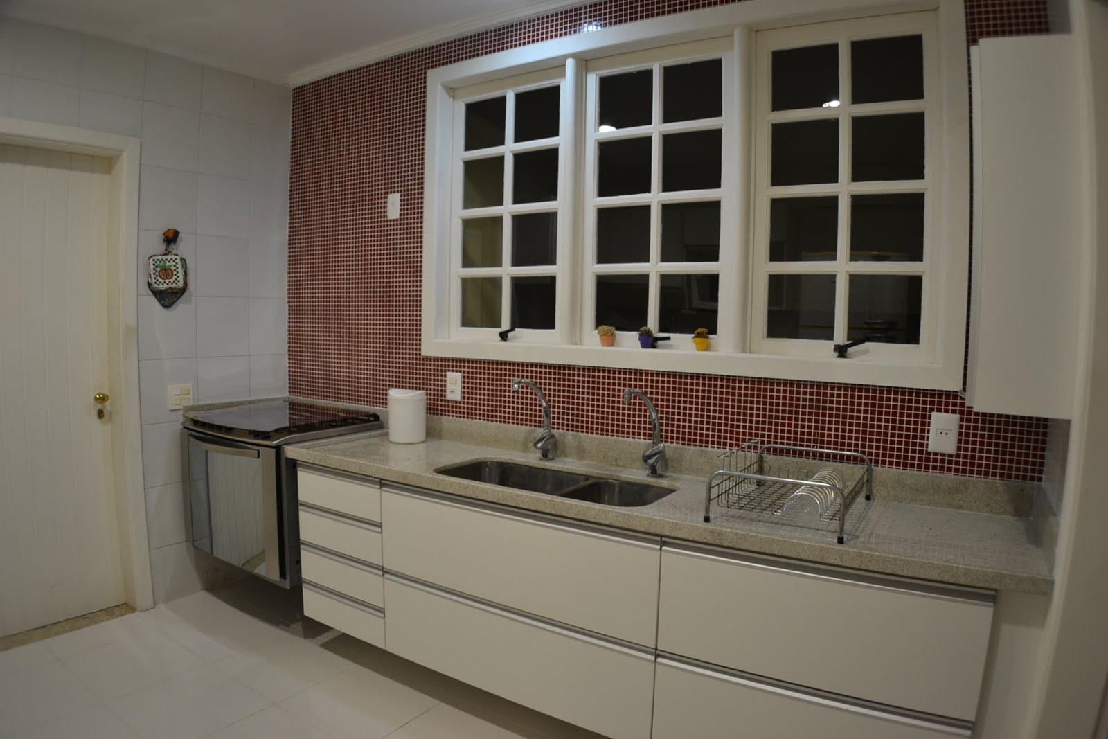 #604639 Cozinha é o ambiente mais novo da casa. Reformamos à nove meses 1600x1067 px Casas Bahia Armario De Cozinha Bertolini_2923 Imagens